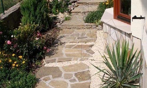 Amenajare gradina/Decoratiuni si ornamente gradina#Piatra naturala poligonala